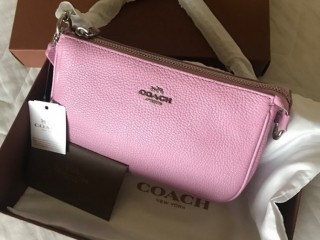 Coach pebble leather bag (new with tag, Taiwanese warranty card, ribboned box, cloth bag)